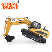HUINA 1550 1 / 12 2.4GHz 15 Channel Electric RC Toy Excavator With An Alloy Digging Bucket & Lights, 680-Degree Rotation