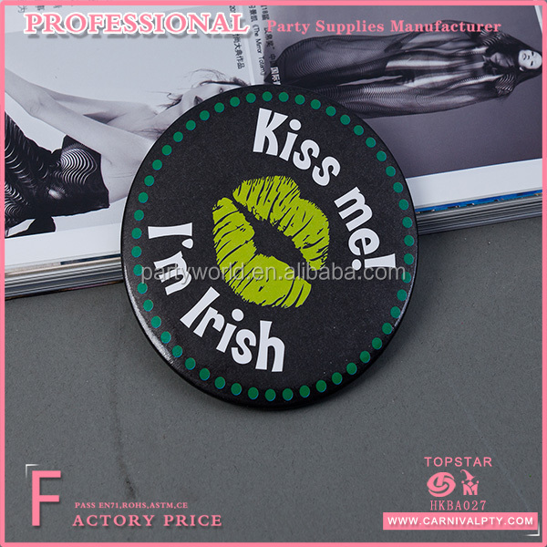 Wholesale hot sale gifts Irish Decoration Kiss Me Ireland badge St. Patrick's Day