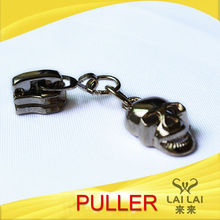 New arrival fancy skeleton shape zinc alloy 2 way zipper pull for boots