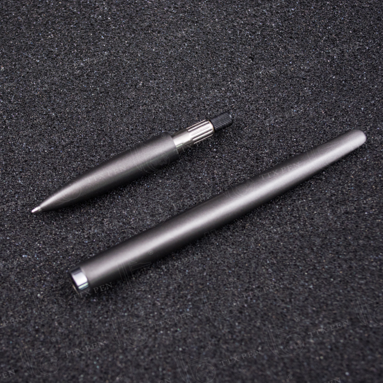2018 hot sale simple color Metal twist promotional metal ball point pen