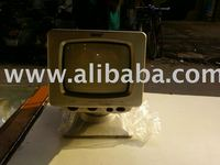 "5""5 black n white mini portable tv"