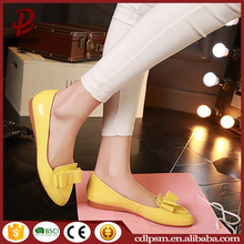 High quality made in China shinny leather ladies elegant flat shoes
