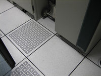 Anti-static raised access computer floors