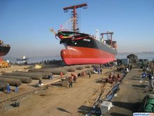 ship launching by Marine Natural Rubber Airbag