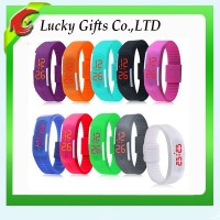 2015 Fashionable Cheaper Waterproof Rubber Digital Silicone Led Watch For Sports