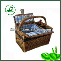 wicker wine pinic basket with handle