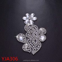 Flower Patch Iron on Crystal Rhinestone Patches Applique Jeans Shirt Trim Bridal Dress Belt Sash Heat Transfer