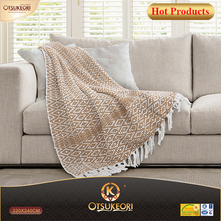 NEW! European and American style blanket and woven carpet blanket with diamond pattern.