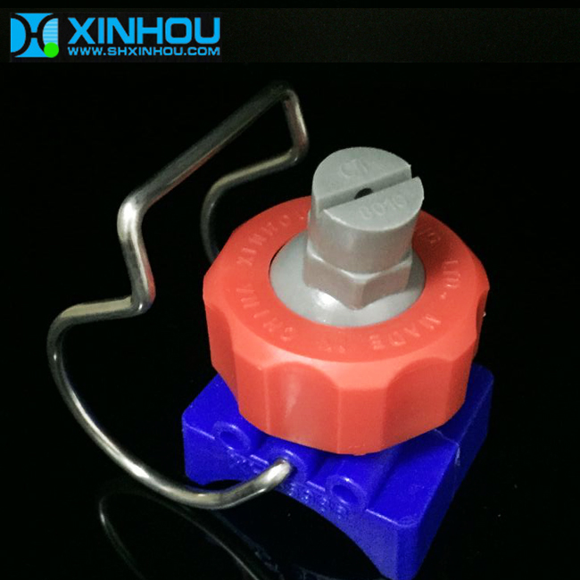 Glass fiber reinforced polypropylene adjustable clamp nozzle