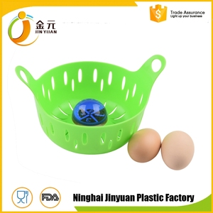 New design warrantee customized cooking tools type silicone egg poacher
