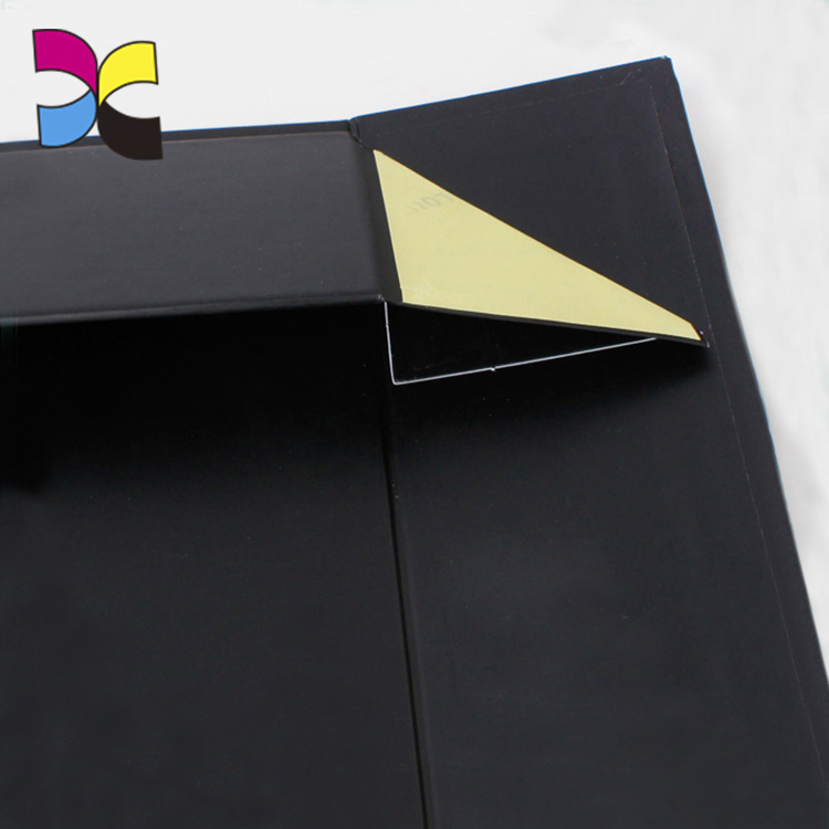 Custom handmade black cardboard paper folding rigid box packaging