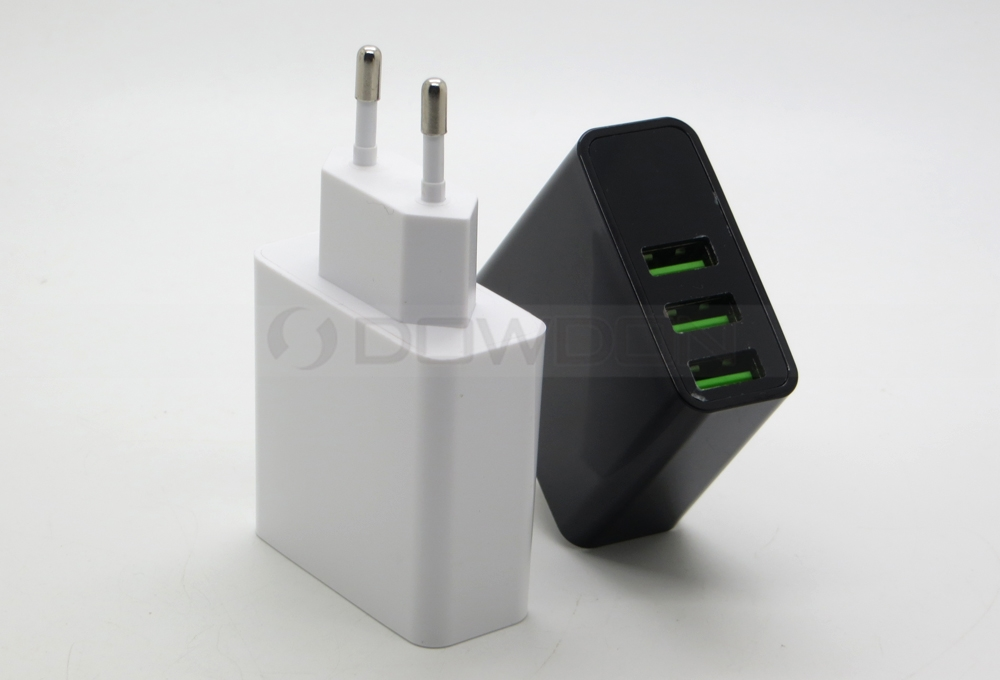 US EU Plug 5V 3A 3 USB Wall Charger Power Adapter Travel Charger with LED Current Voltage Display