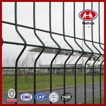 Factory 50x200mm barbed wire roll price fence