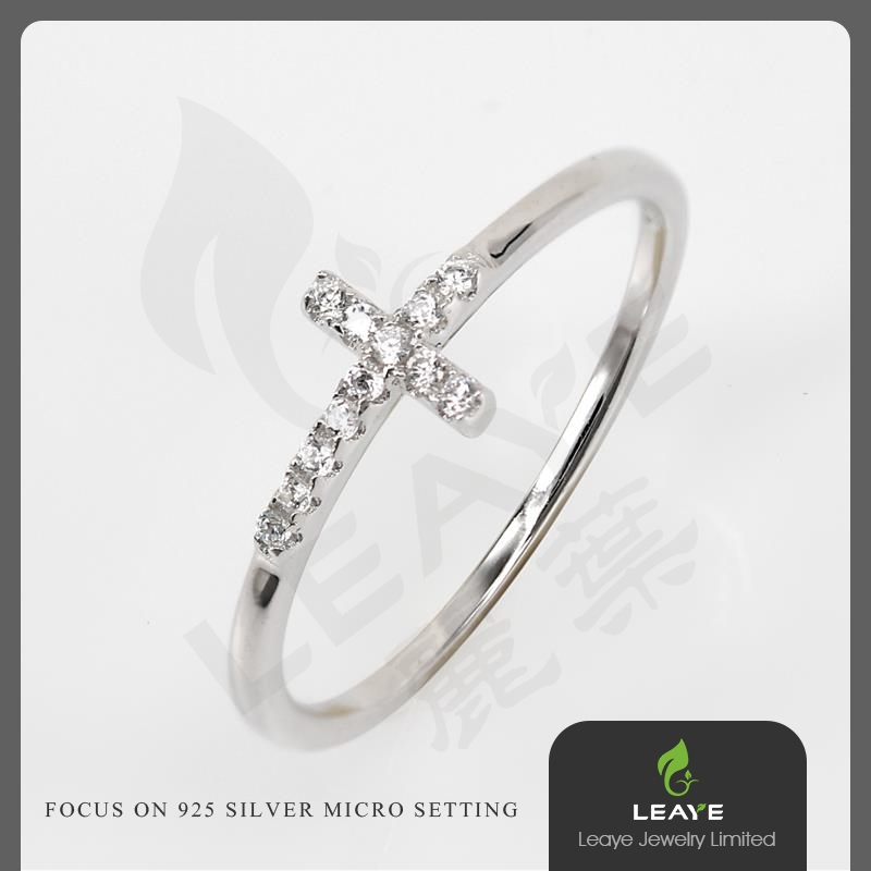 Good Quality Fashion 925 Sterling Silver Cross Shape Ring with CZ Stones