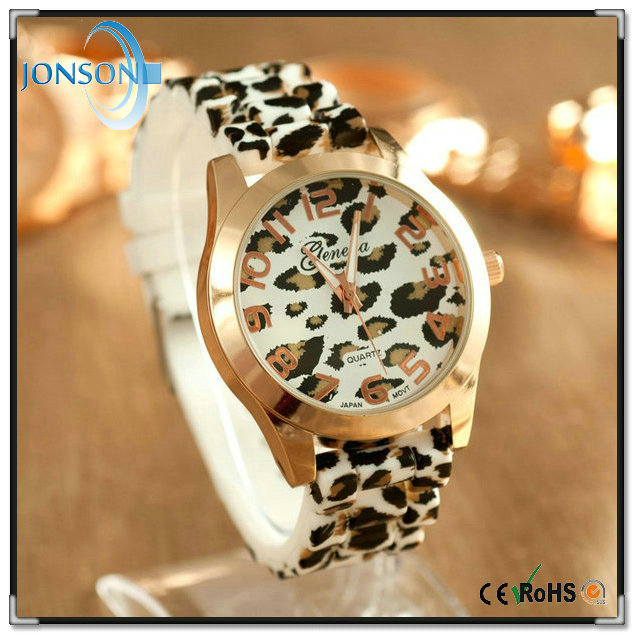 Vogue geneva alloy metal gold plated custom made leopard silicone strap watch