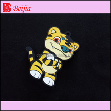 Promotional customised OEM 2d/3d cartoon silicone rubber flash drive carry usb case, pvc usb port cover with keychain