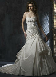 Taffeta A-line Backless Latest Bridal Wedding Gowns