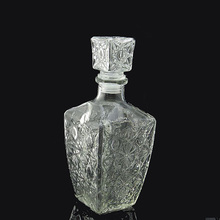 Custom crystal glass bottle for alcohol with good price