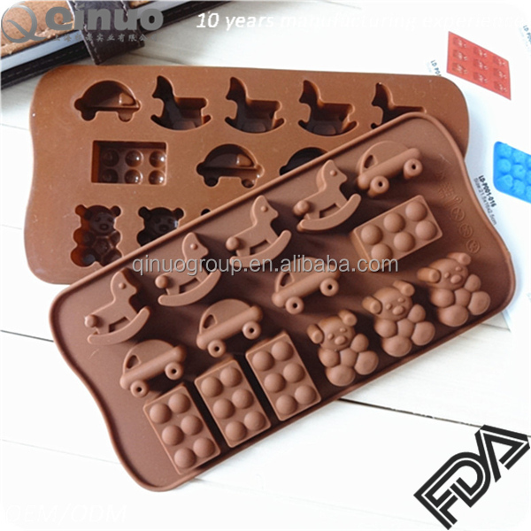 Free shipping Korea hot sale little car and wooden horse FDA silicone cake mold
