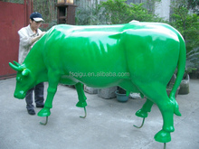 2017 new style outdoor fiberglass life-size animal cow statue and garden decoration