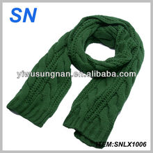 Solid color winter ribbed scarf for women