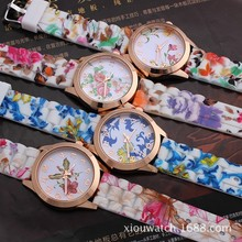 beautiful pattern band and dail alloy case women watch,silicone watches