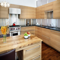 Wood veneer with visible handle kitchen cabinet
