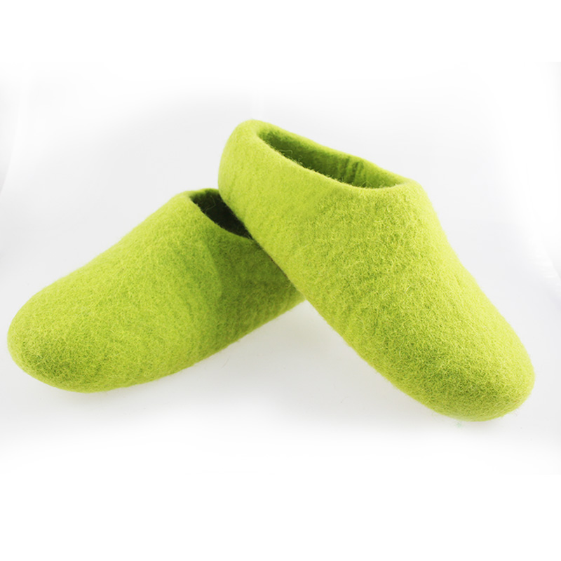 Factory price handmade wool felt <strong>slippers</strong> for hotel