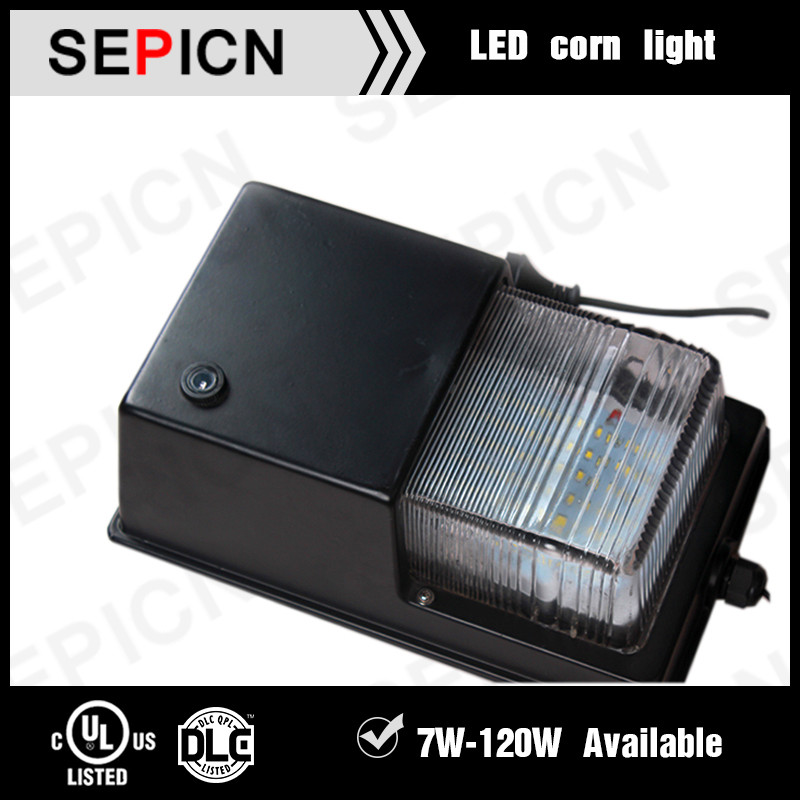 5 years warranty ip65 28w led wall pack dlc etl listed