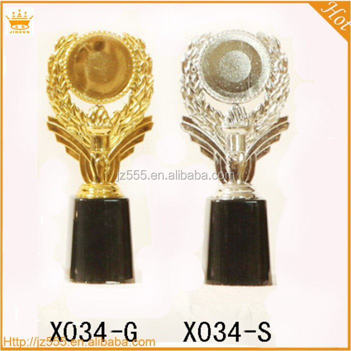 Alibaba China gold,silvery plastic premier league trophy