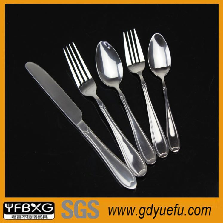 Reasonable price black plastic handle cathylin stainless steel tableware cutlery set halloween ceramic dinnerware set