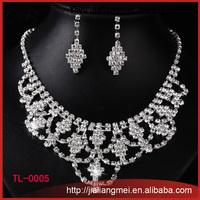 Fashion Silver Handmade white artificial Rhinestone Necklace Earrings Set