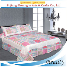 Top soft stitching technic and 100% cotton cloth plaid patchwork quilt for sale