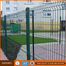 Decorative iron pvc coated 3d curve green vinyl coated welded front gate designs fence