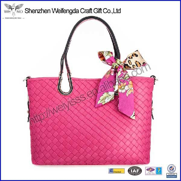 2015 new design promotion pretty girl handbag of pu material