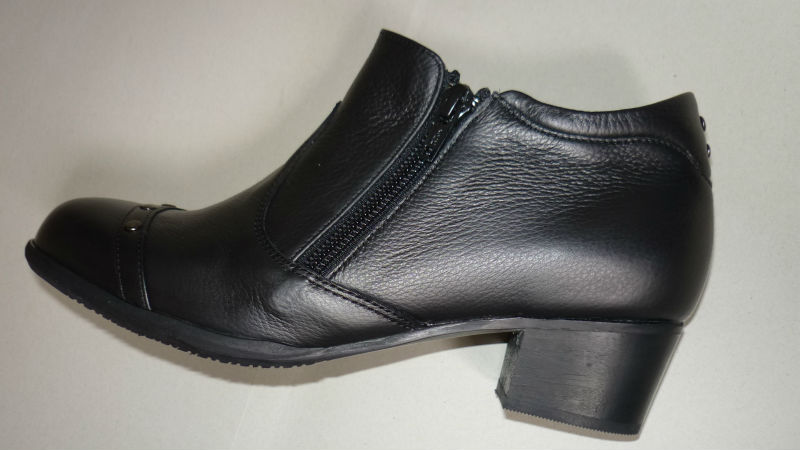 leather lady boot