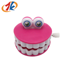 Eco friendly mini toys funny plastic wind up teeth