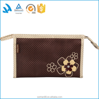 Hot sell large brand name toiletries products, cosmetic bag set