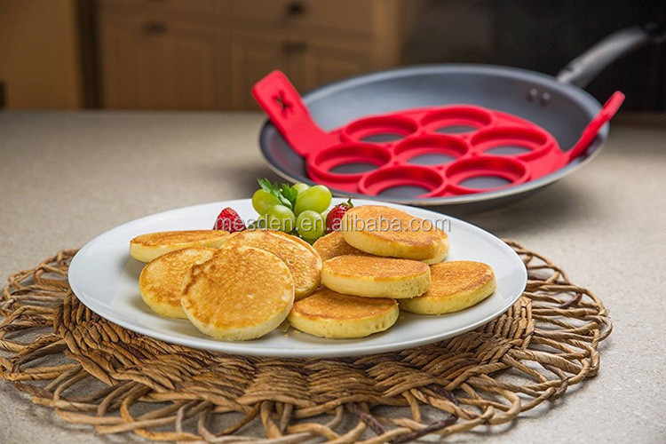 perfect nontoxic flip multiple kitchen 7 in 1 Circle Silicone Pancake Rings Mold pancakes egg tools