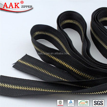 smooth tape gold metal teeth zipper roll for leather bags