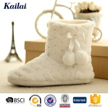China superb comfortable women's boots with fur