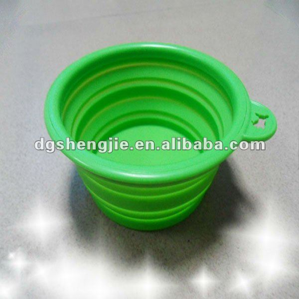 2012 New collapsible silicone dog food basin for pets and dogs