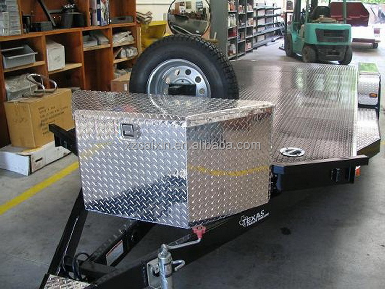 Aluminum diamond plate tongue tool box for trailer