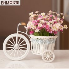 Chinese handmade European rattan bike with artificial flowers for home decor