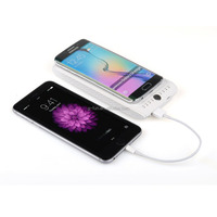 2016 factory ce rohs fcc portable qi wireless power bank charger pad
