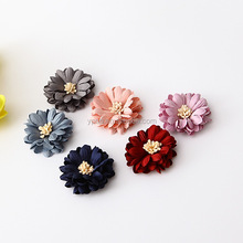 Wholesale manufacturer Decorative 3d handmade small microfiber fabric flowers for shoes headband accessories