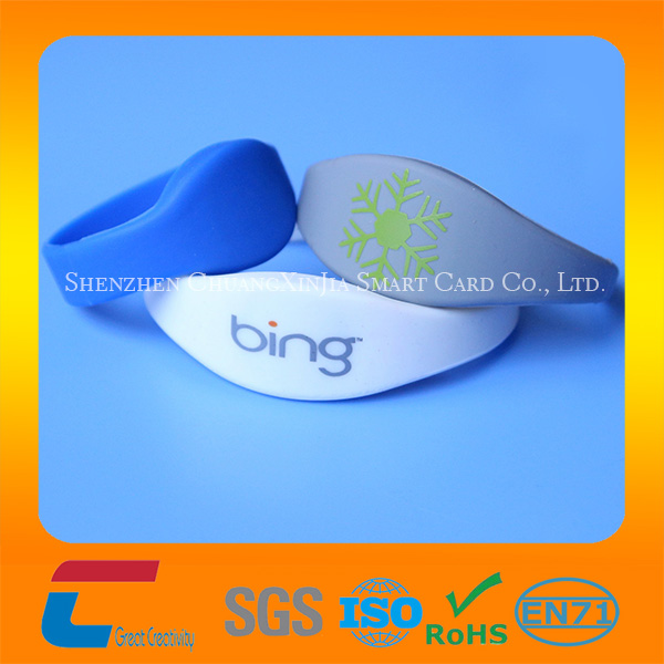Passive free sample 13.56Mhz Waterproof Nfc Bracelet Silicone Wristbands With Own Company Logo