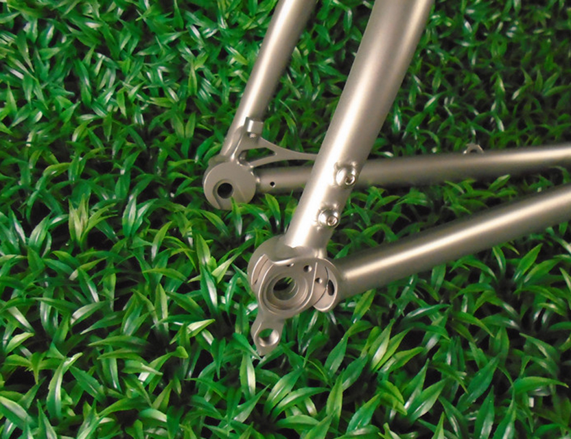 CX Titanium road bike frame with 142*12 thru axle