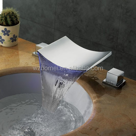 Electric smart temperature controlled LED faucet mixer