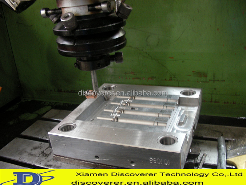 Plastic injection mold maker with own designer for 3D design service